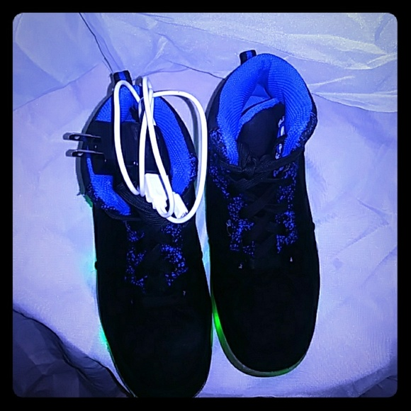 c82b59f587d7a Drew's Pick: light up high top sneakers Boutique